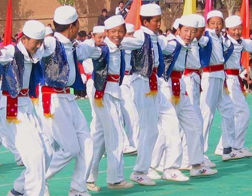 幼儿园民族男人服饰图片
