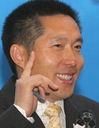 中央电视台经济信息中心主任、经济频道总监郭振玺
