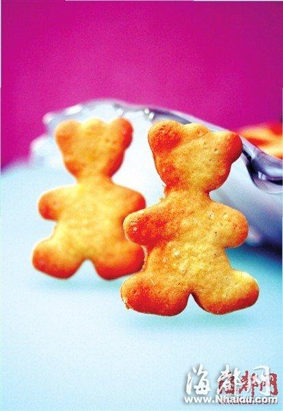 蜡笔小新   美食小档案:小熊饼干是蜡笔小新最爱的