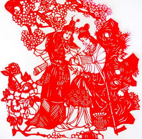 剪纸的题材极为丰富,大都是妇女们生活中熟悉和热爱的事物