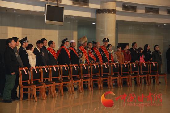 人口老龄化_2012年甘肃人口(2)