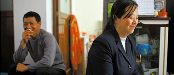 记者探访汶川地震后再婚家庭:只能好好活着(图)