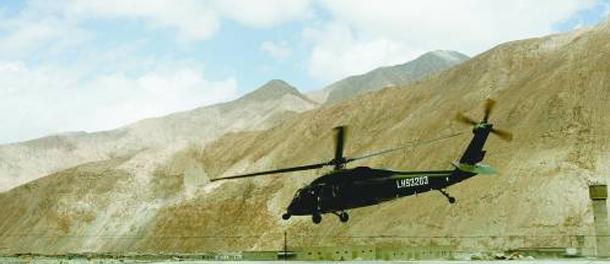 """""""黑鹰""""在华20余年折翼4架 汶川出动18架引惊叹"""