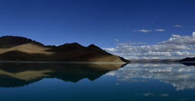 """美丽中国:""""圣湖""""羊卓雍湖 风景如画"""