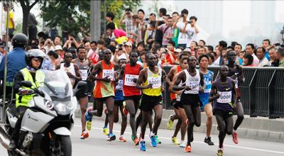 回顾兰州国际马拉松精彩瞬间(组图一)
