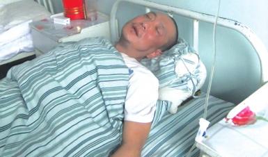 兰州:电梯跳水 乘客摔伤