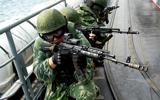 中俄军演俄特战队曝光 俄战机模拟攻击我舰