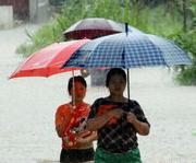 甘肃省东南部遭强降雨袭击