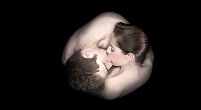 无处不美好:亲吻的人体艺术