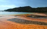 领略黄石国家公园的自然奇观