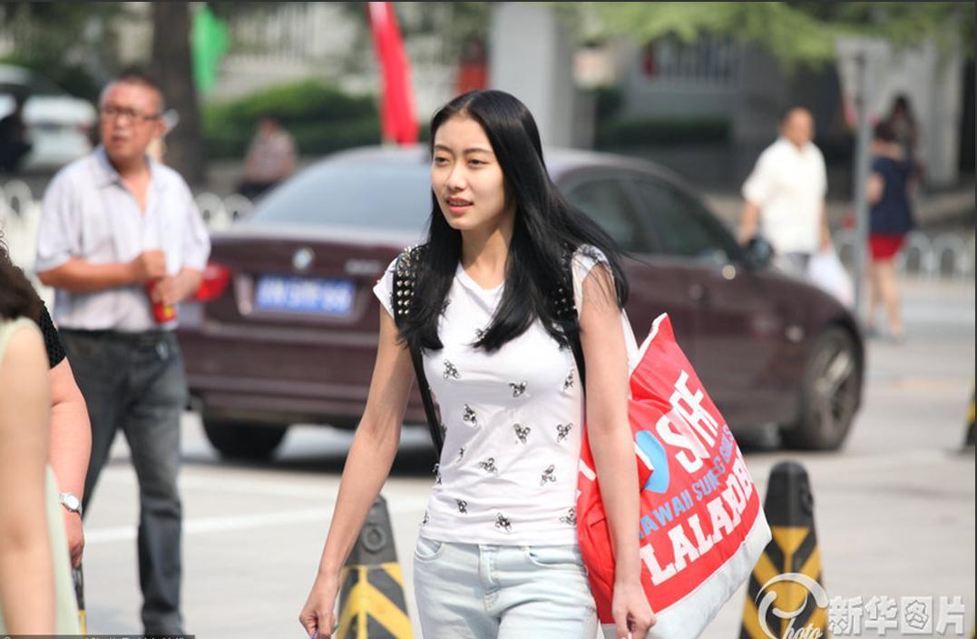 帅哥美女北京电影学院开学