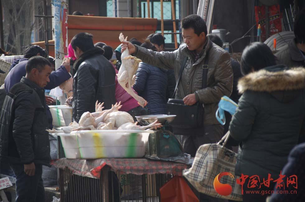 【新春走基层】腊月二十八岷县街头年味十足