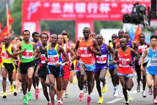 2014兰州国际马拉松晋级赛事6月1日鸣枪开赛