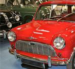 英国一牙医拥有450多辆经典汽车