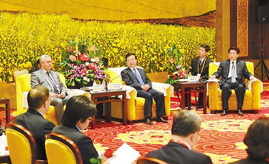 关注亚洲合作对话 刘伟平与乌兹别克斯坦驻华大使举行会谈