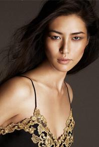 中国超模刘雯性感代言高端内衣品牌La Perla