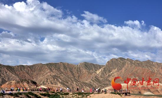 2014中国·张掖祁连山户外运动挑战赛丹霞国家地质公园激情开赛