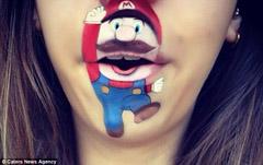 天才化妆师下巴上创造出卡通人物
