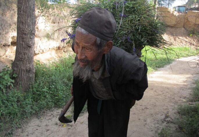 甘肃八旬老人四世难同堂背后的养老现实
