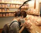 探秘日本充气娃娃制作公司