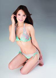 日本42岁美女外婆受热捧 容颜身材宛如少女