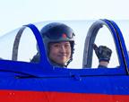 蓝天初吻 中国空军飞行少年军校学员首飞