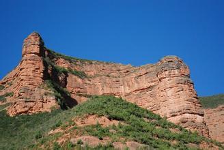 冶力关大景区:赤壁深谷