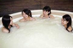 日本特色温泉裸浴