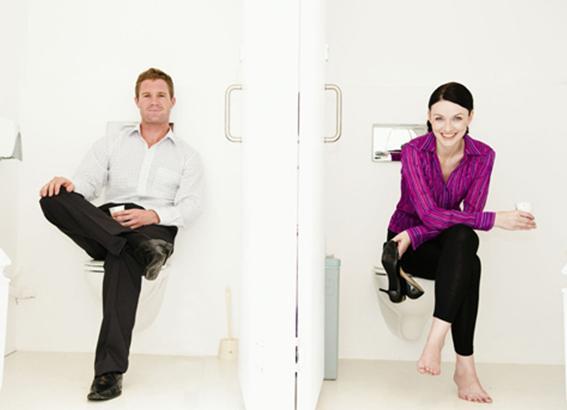 有助保持厕所清洁 二是因为70%以上的日本家庭装有&
