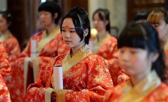 【图片故事】西安少女举行汉式成人礼我要评论