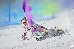 """澳滑雪冠军挑战极限""""彩虹""""滑雪美轮美奂"""