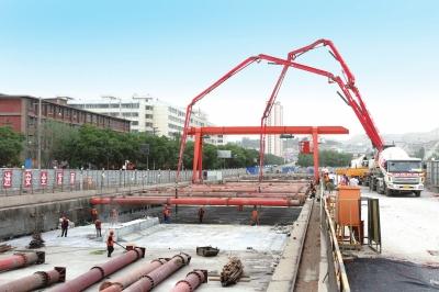 1号线一期工程东岗站主体结构封顶