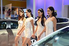 美女豪车齐聚潍坊鲁台国际车展
