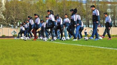 2017年甘肃将建成600所足球学校