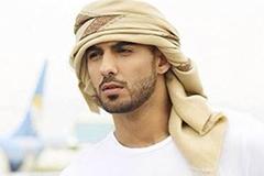 因太帅遭沙特驱逐男子晒女友照片 全球女粉丝心碎