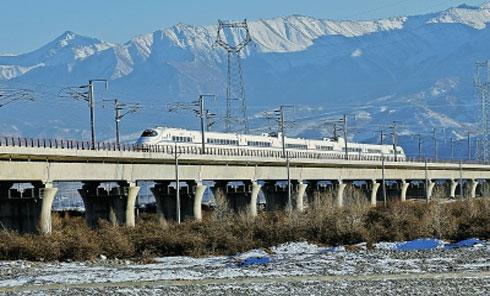 兰铁局为丝绸之路建设提供运力保障