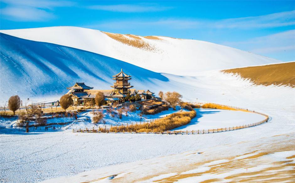 """古郡敦煌呈""""雪国""""旖旎美景图片"""