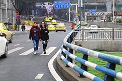 """重庆街头现""""任性""""斑马线"""