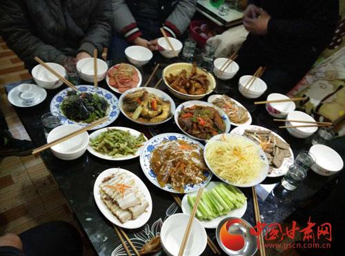 年景丨年夜饭(图)