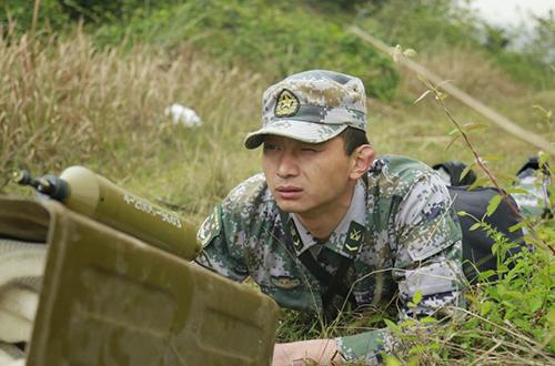 陆军驻渝某师举行工兵爆破训练