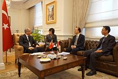 外交部部长助理李惠来与土耳其外交部副次长亚尔琛 举行反恐磋商