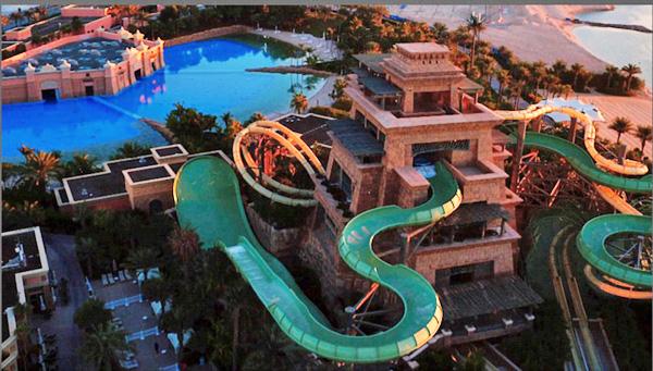 迪拜酒店水上乐园滑板表演惊险刺激