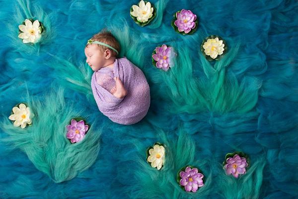 萌翻!美摄影师将熟睡婴儿完美融入传世名画(组图)