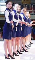退伍女兵脱下军装考空姐 自律强训练刻苦获赞