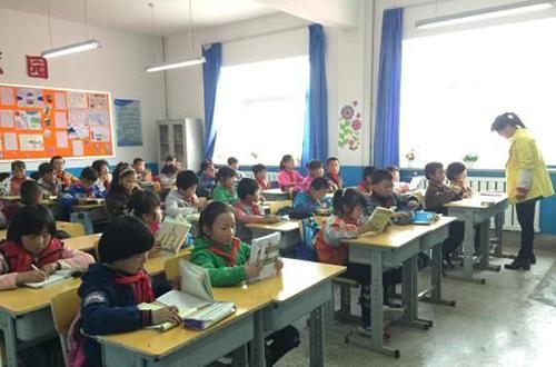 """榆中:外来务工子女可享""""同城教育"""""""