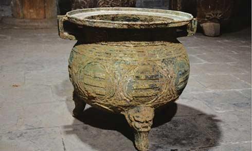 泾川县村民旧宅挖出元代铜器