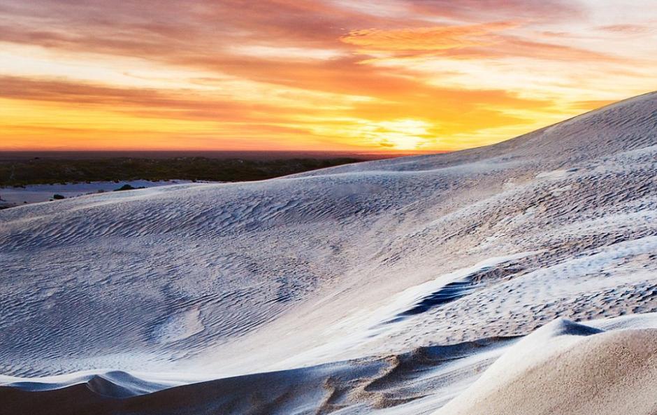 """实拍澳大利亚白沙漠""""超现实""""震撼美景(组图)"""