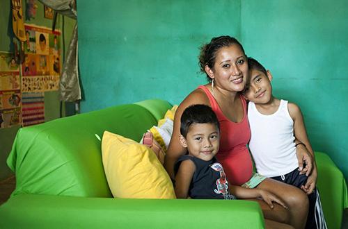 聚焦墨西哥代孕产业 女性为生计出借子宫