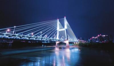 百里黄河风情线无疑是兰州最美丽的一道风景线