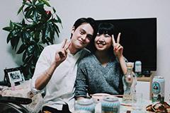 27岁中国女孩租混血男友回家 被嫌太帅